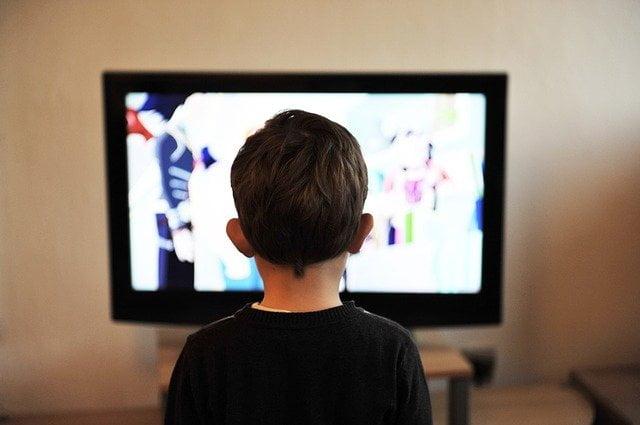 Karangan UPSR – Faedah Menonton Televisyen
